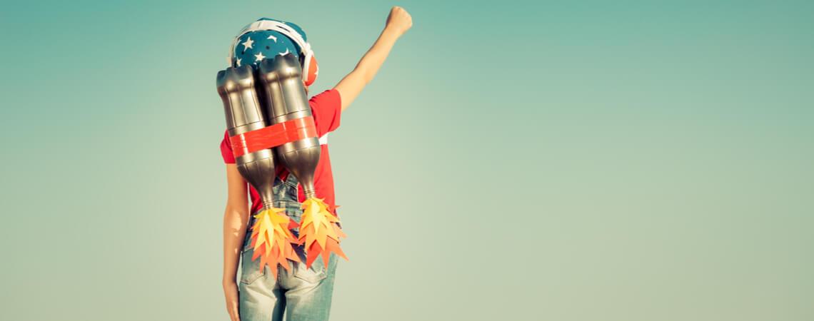 Kind mit Rakete