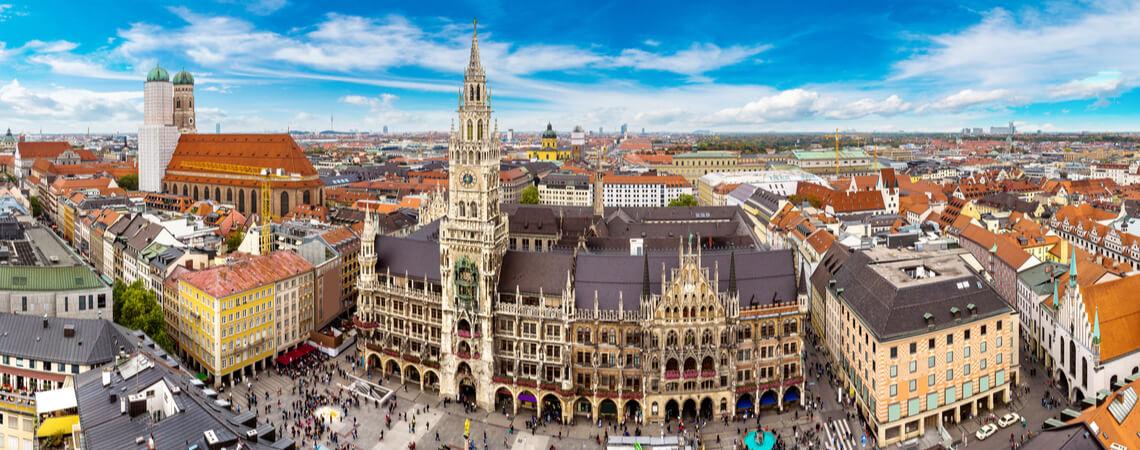 Müner Marienplatz mit Frauenkirche