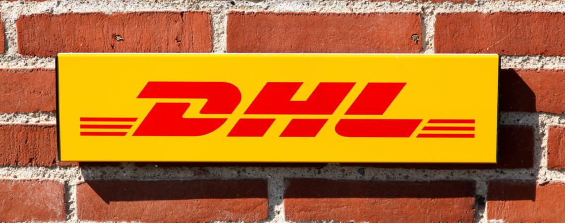 DHL Logo an einer Wand