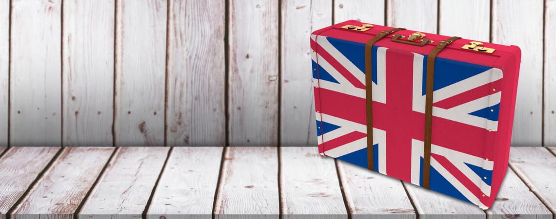 Koffer mit britischer Flagge