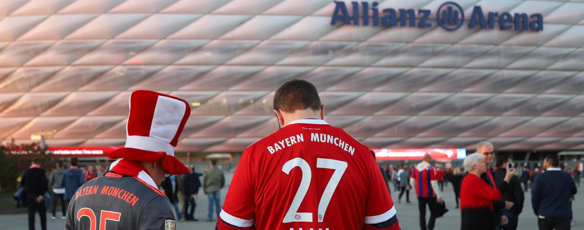 Fans vor Allianz Arena
