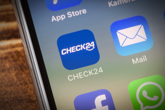 Check24-App auf einem Smartphone