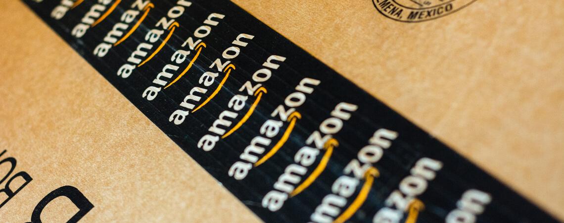 Amazon Packband auf Paket