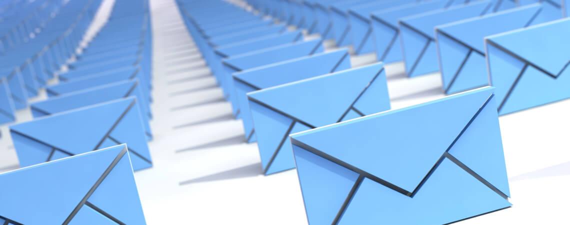 viele blaue E-Mails