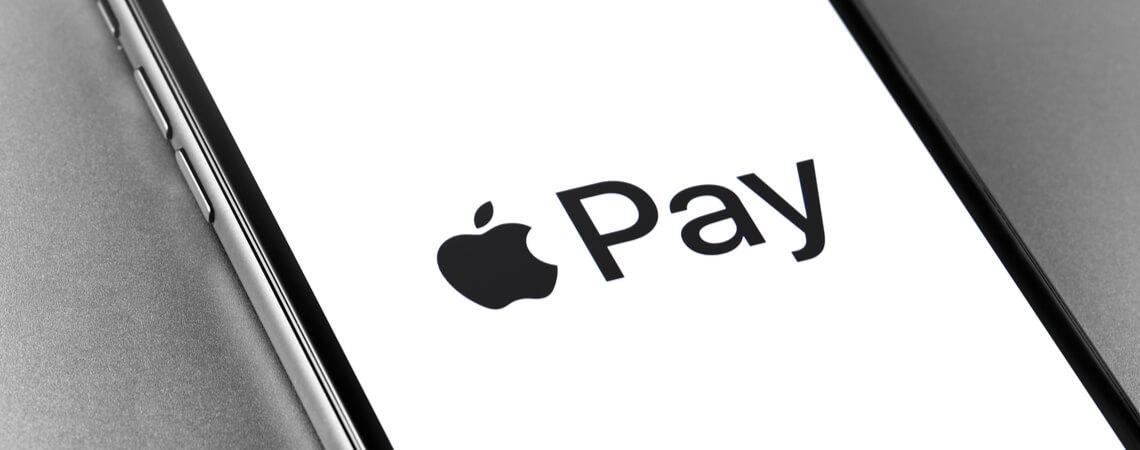Apple-Pay-Logo auf iPhone