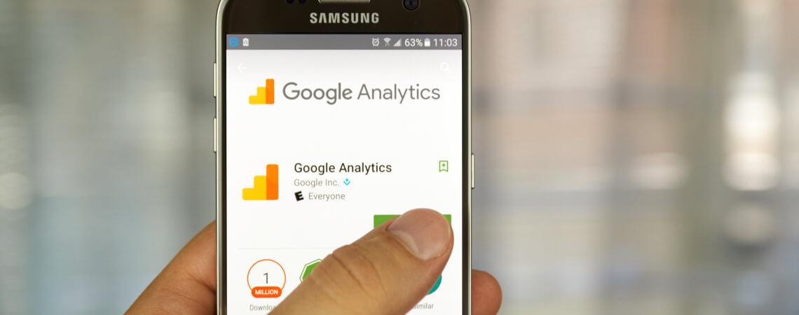 """App """"Google Analytics"""" auf Smartphone"""