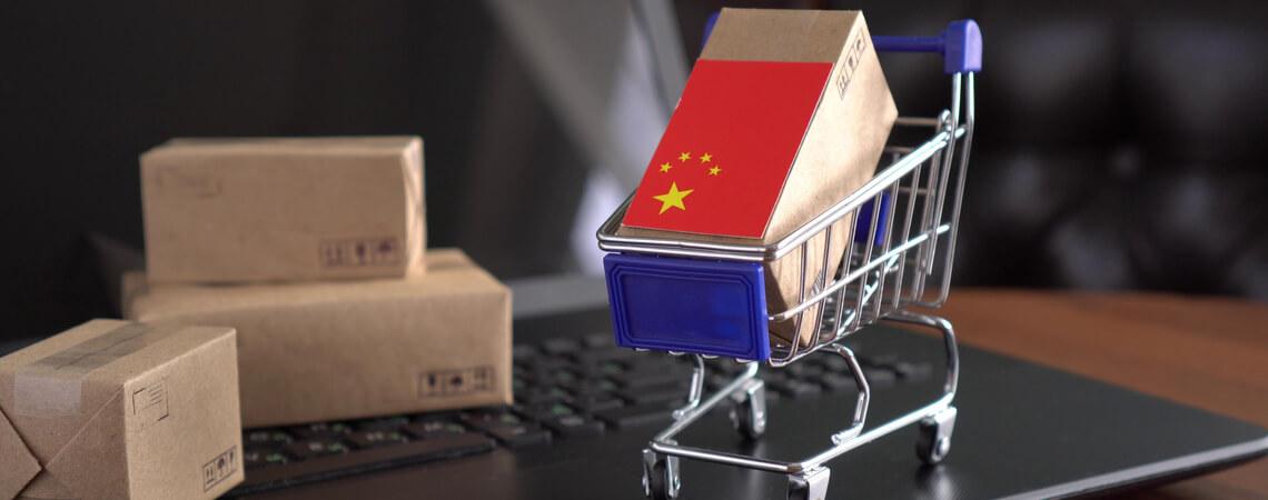 Warenkorb mit chinesischem Paket