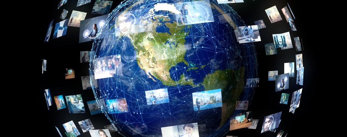 Daten fliegen um den Globus