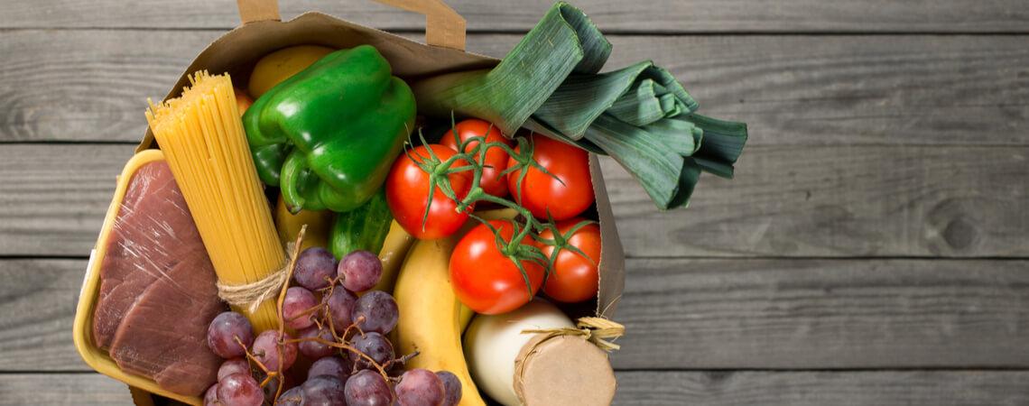 Einkaufstüte mit Lebensmitteln