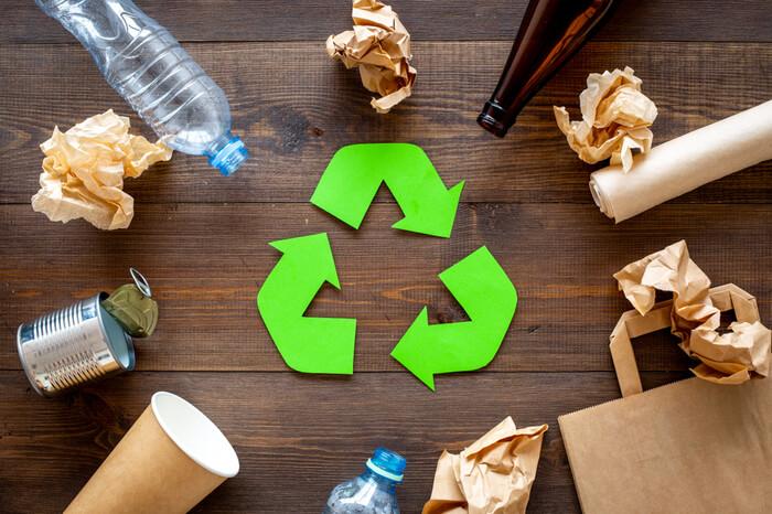 Recycling Symbol aus Papier
