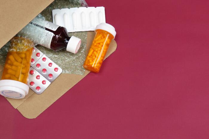 Medikamente in Versandbeutel