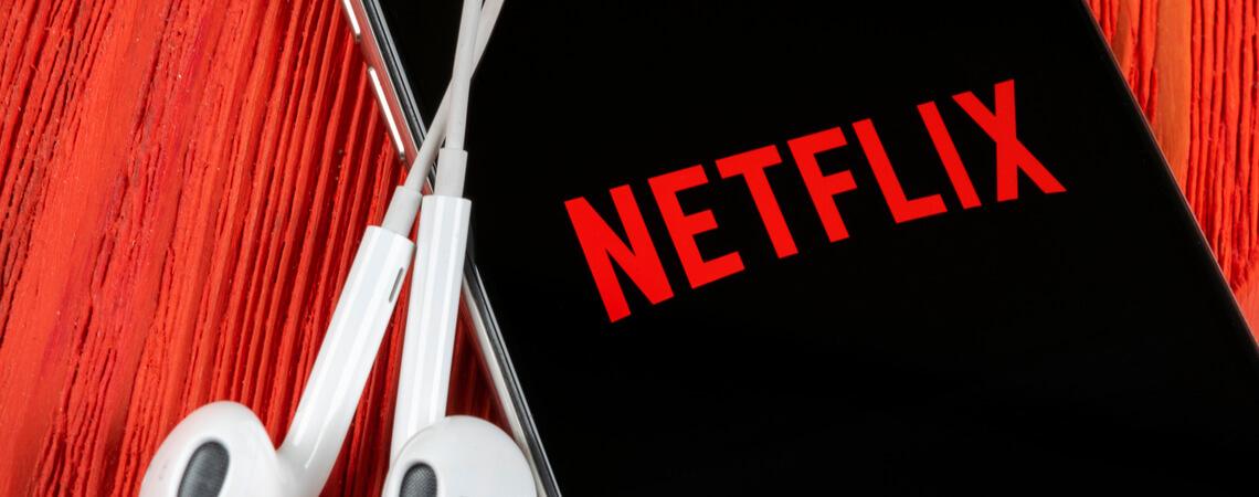 Netflix-Logo auf einem Smartphone