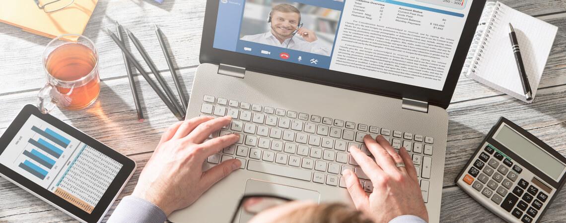 Remote Work und Teamwork am Laptop