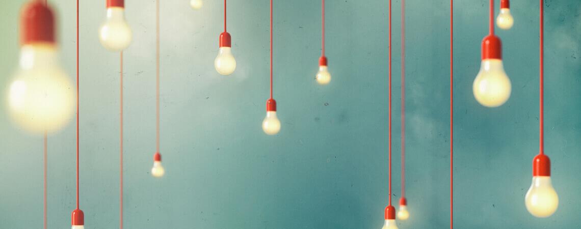 Leuchtende Glühbirnen
