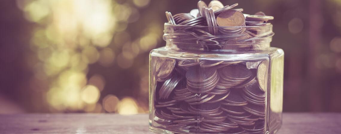 Gefäß mit Geld
