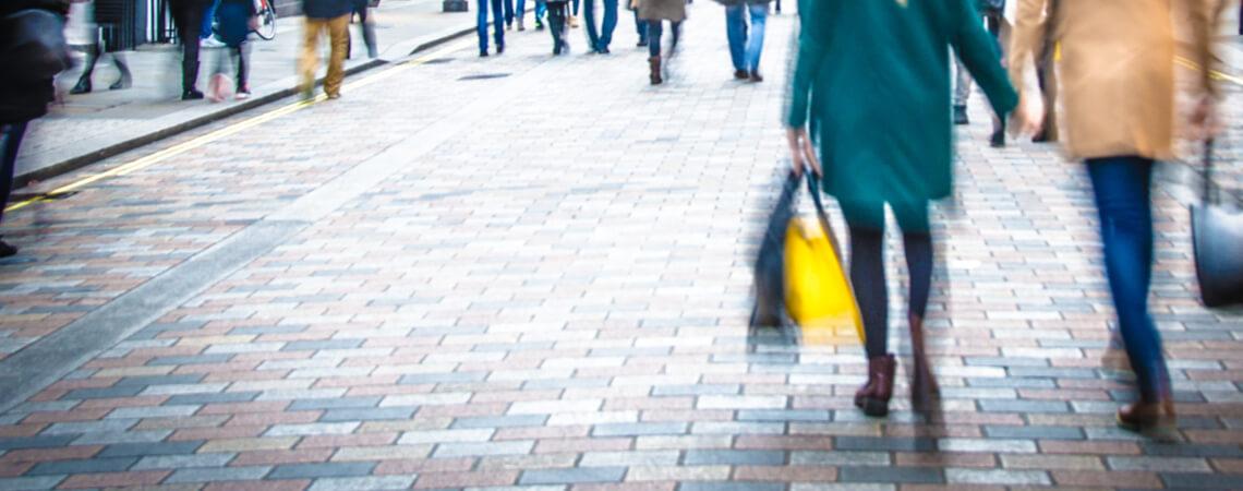 Einkäufe in der Innenstadt: In der Fußgängerzone