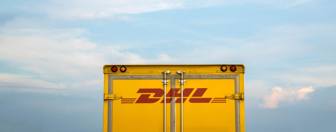 LKW des Logistikers DHL