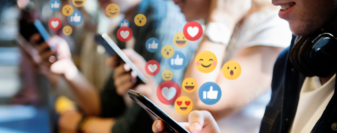 Menschen mit Social-Media-Reactions
