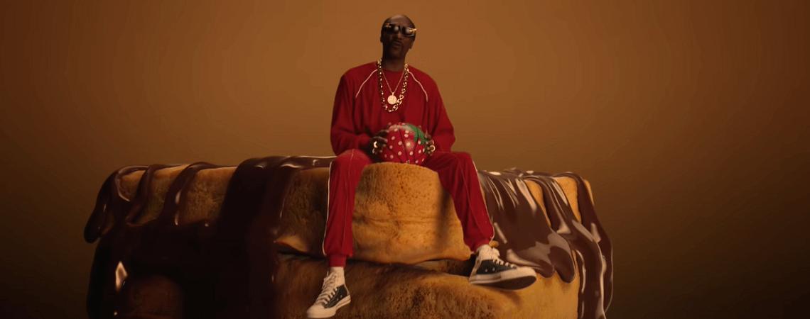 Snoop Dogg auf überdimensioniertem Schoko-Snack