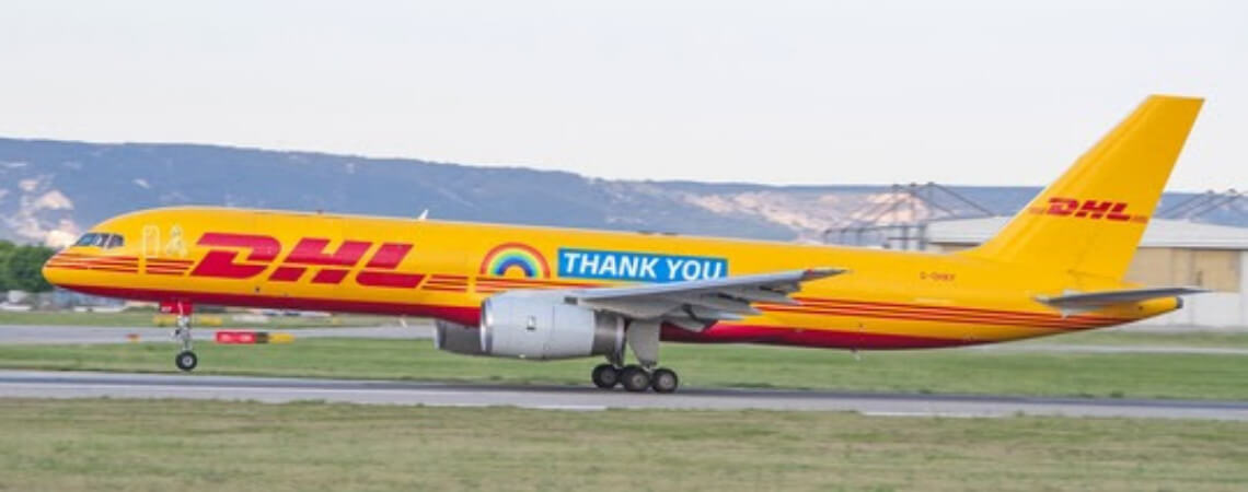 DHL-Flieger mit Dankesnachricht