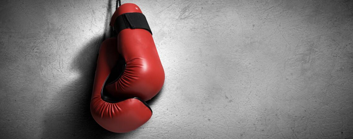 Boxhandschuhe an den Nagel gehangen