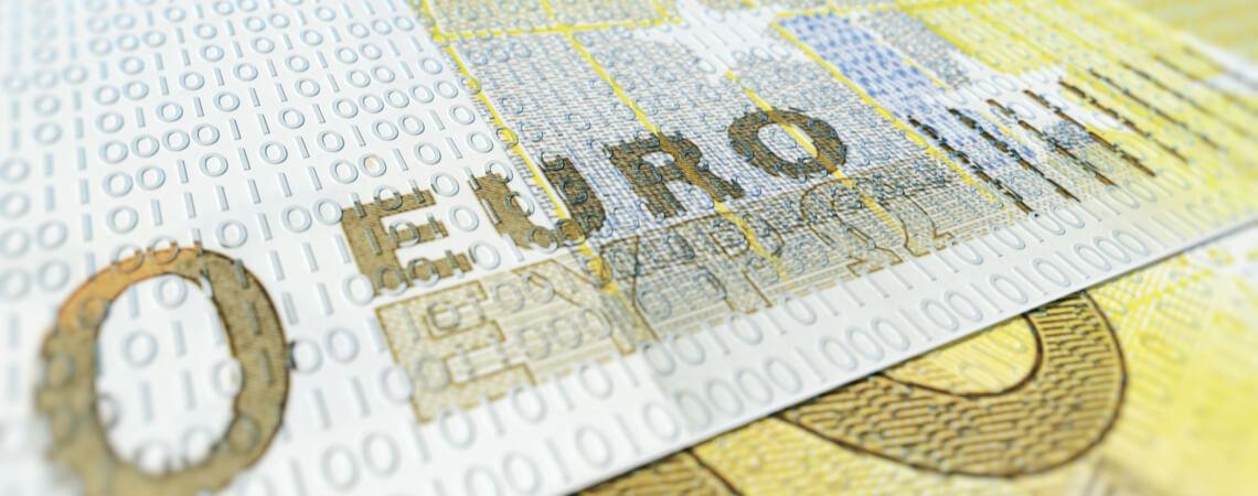 digitales Geld: Geldschein mit Nullen und Einsen