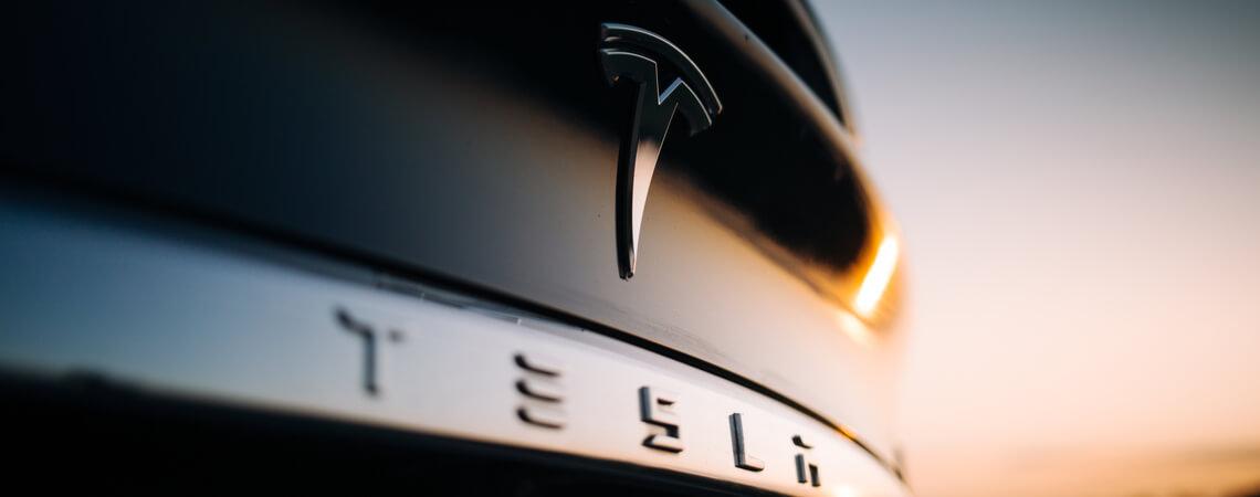 Auto der Marke Tesla