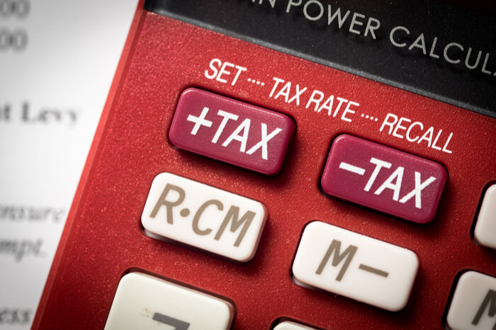 Tax auf Taschenrechner