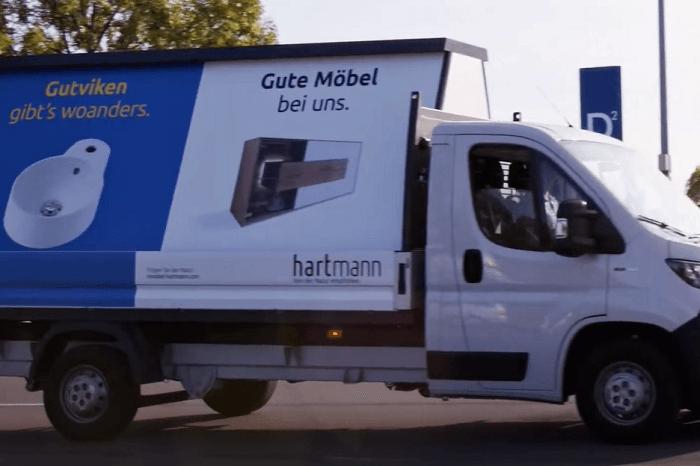 Werbetafel mit Spruch gegen Ikea