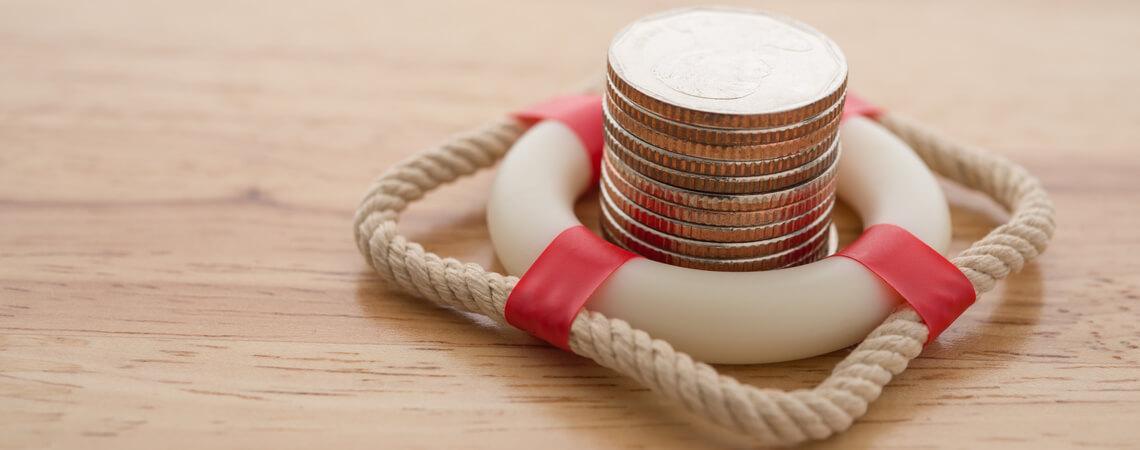 Münzen im Rettungsring