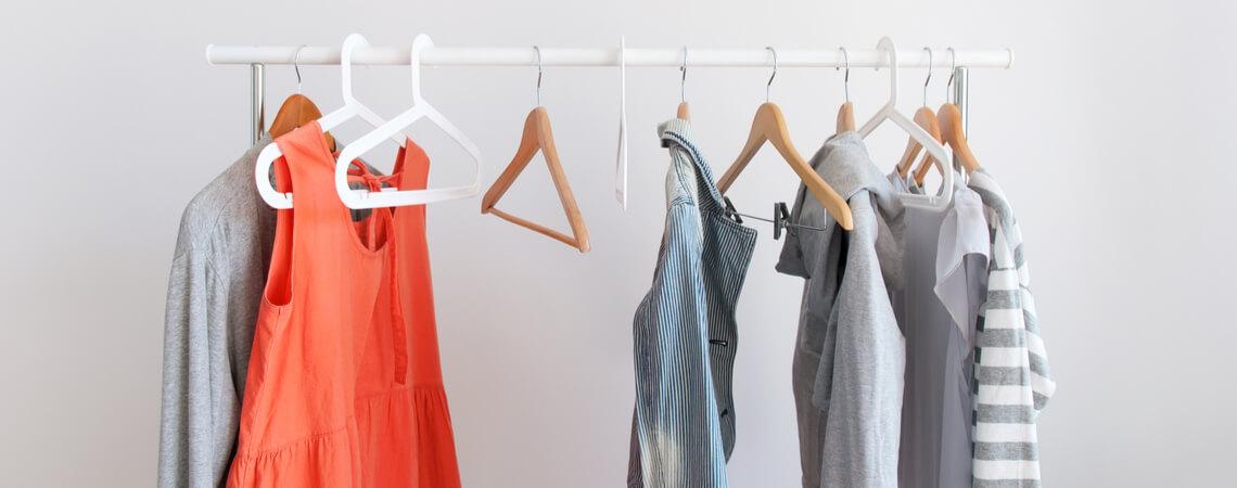 Kleiderstange mit Mode