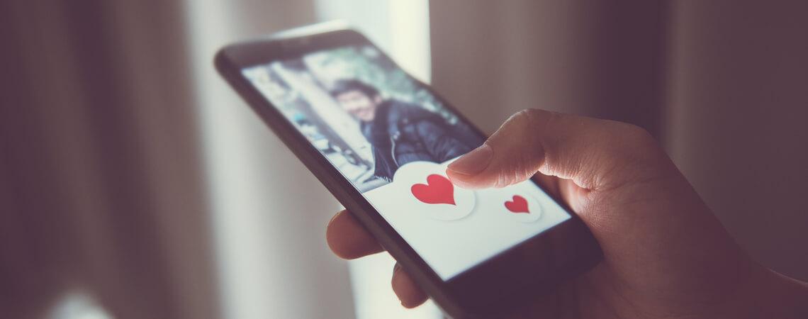 Online Dating Smartphone