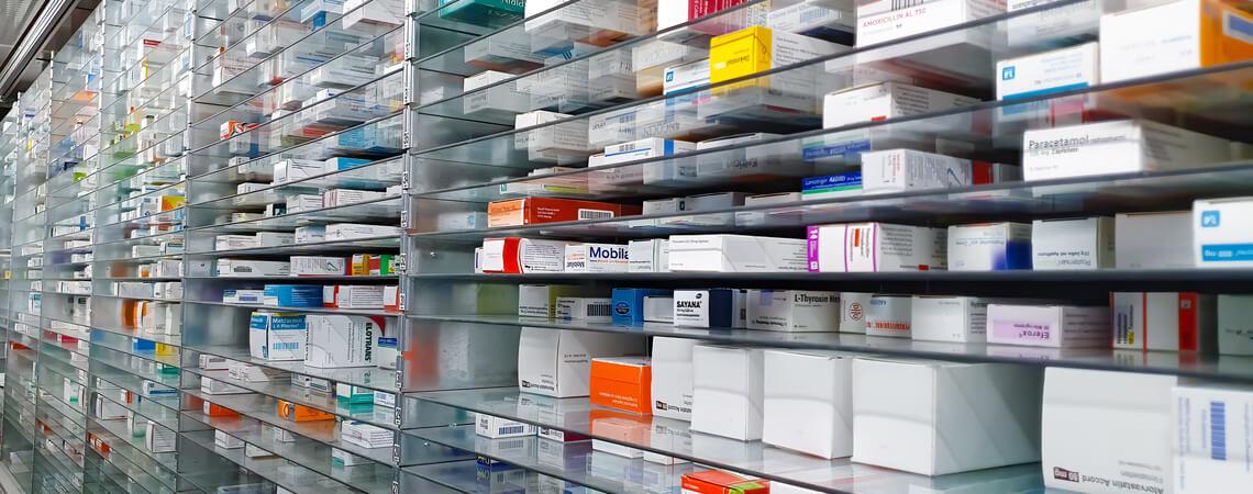 Apotheke mit Medikamenten