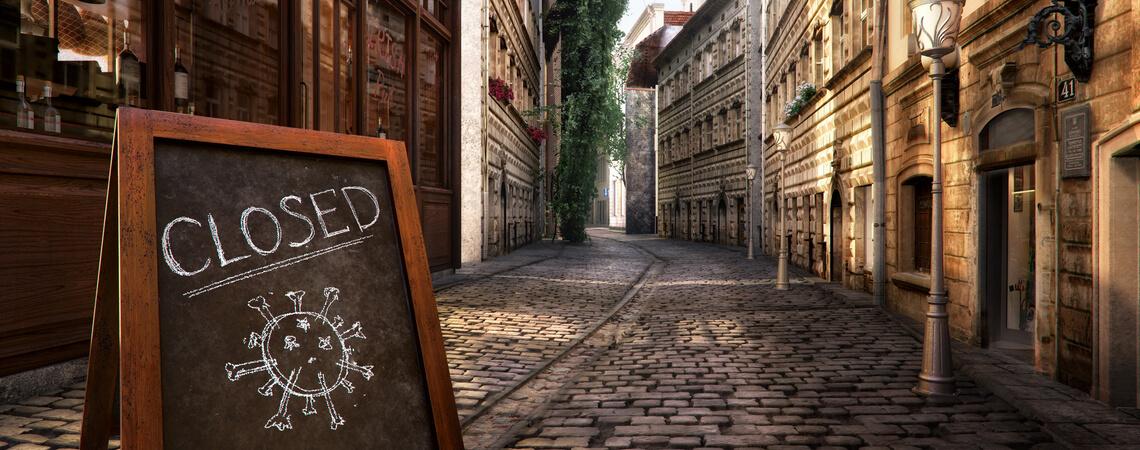 Geschlossen Schild leere Straße
