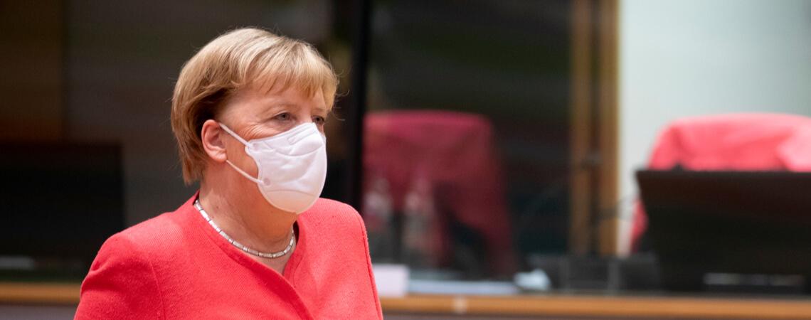 Bundeskanzlerin Angela Merkel mit Mund-Nasen-Schutz