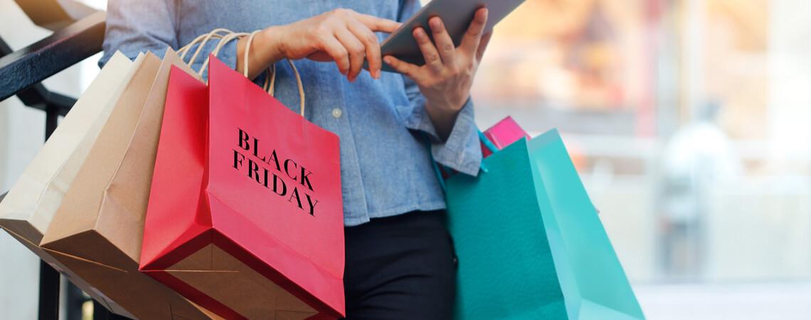 Black-Friday-Shopperin
