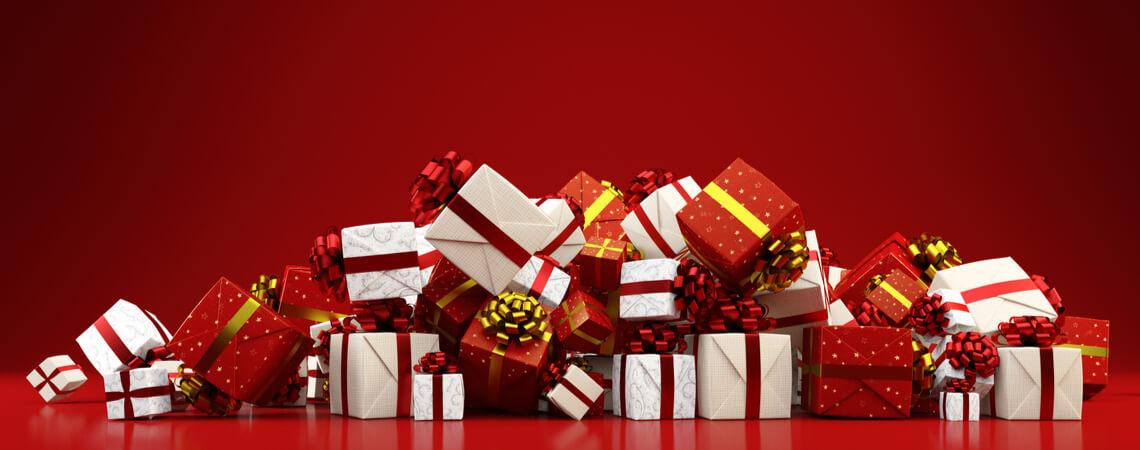 Berg von Weihnachtsgeschenken