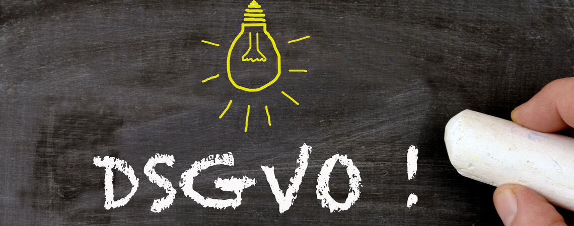 DSGVO auf Tafel geschrieben