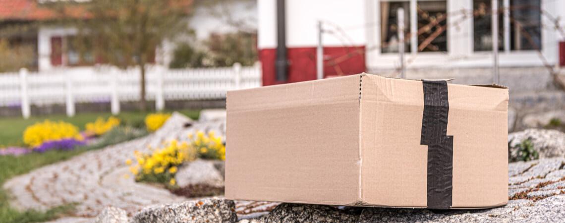 Paket vor Haus