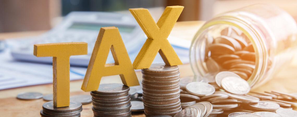 Steuern und Geldmünzen