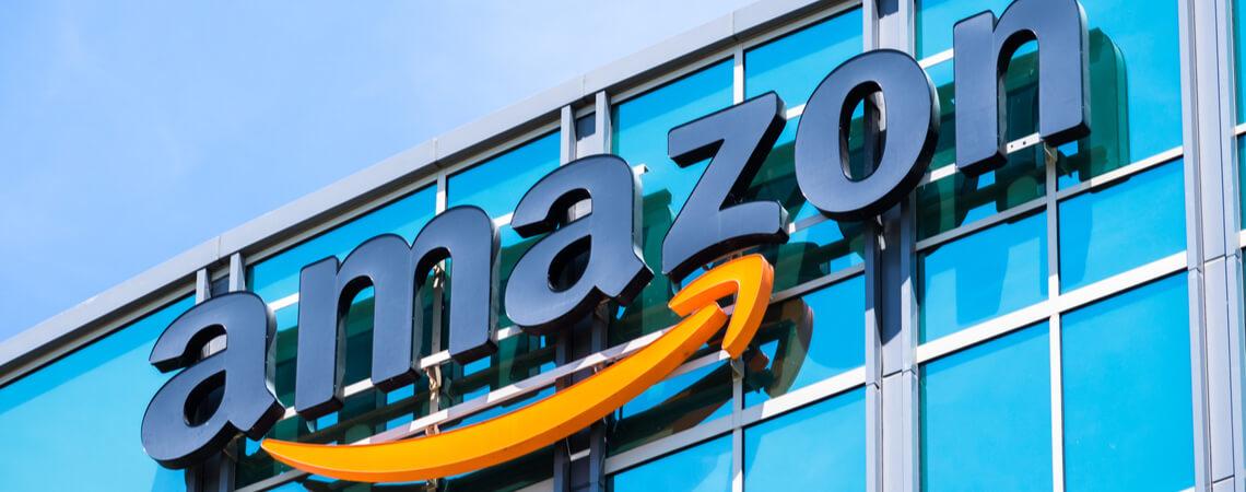 Amazon Schriftzug Gebäude