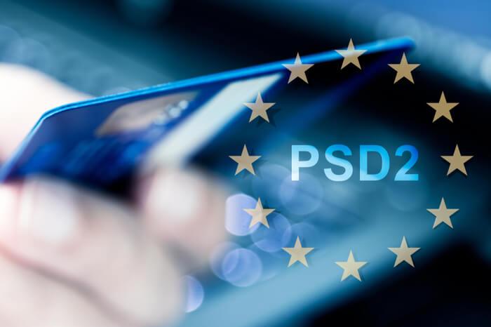 Kreditkarte mit PSD2-Schriftzug