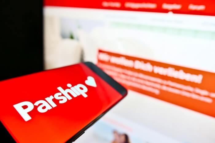 Parship auf Smartphone und Desktop
