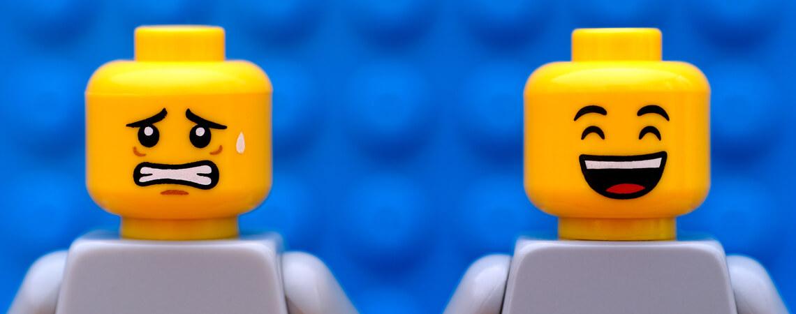 weinende und lachende Legofigur