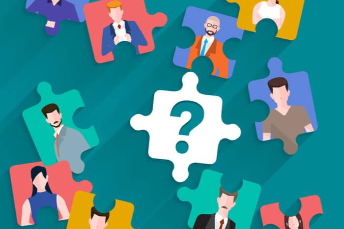 Personalentscheidungen: Puzzleteile mit Personen darauf