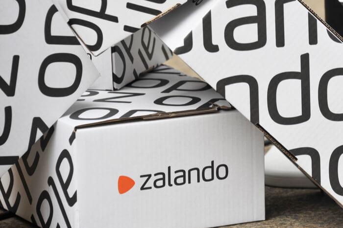 Zalando-Kartons auf einem Stapel