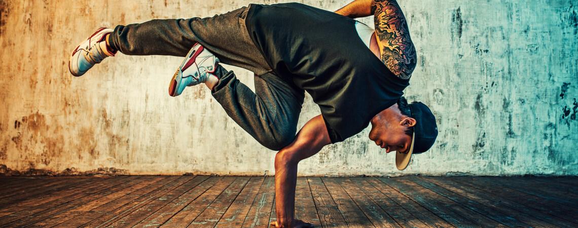 Hiphop Breakdancer