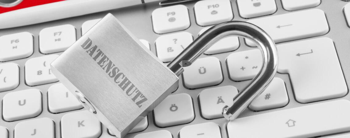 Datenschutz auf Schloss auf Tastatur