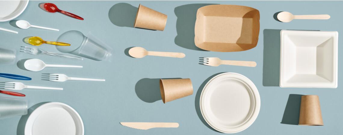 Einwegbesteck aus Kunststoff und Papier