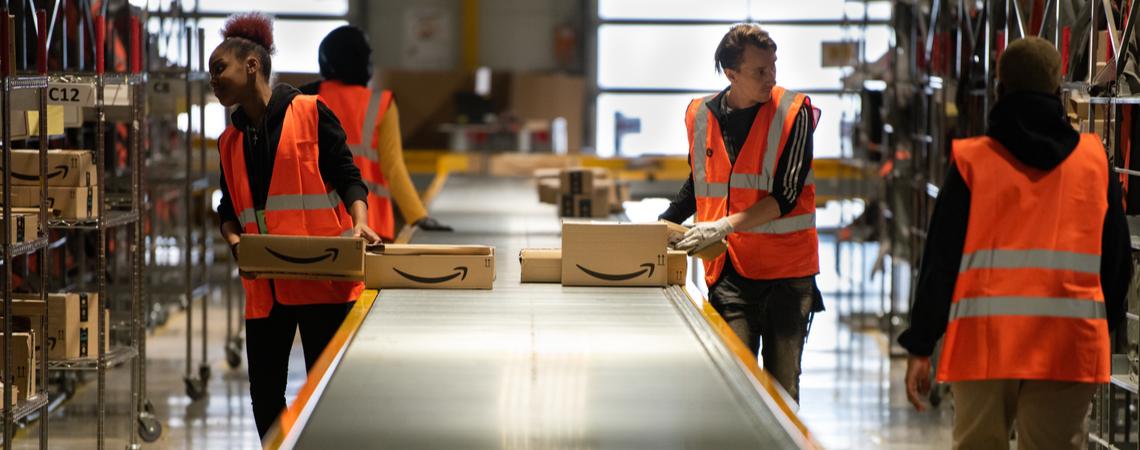Amazon-Mitarbeiter in der Logistik